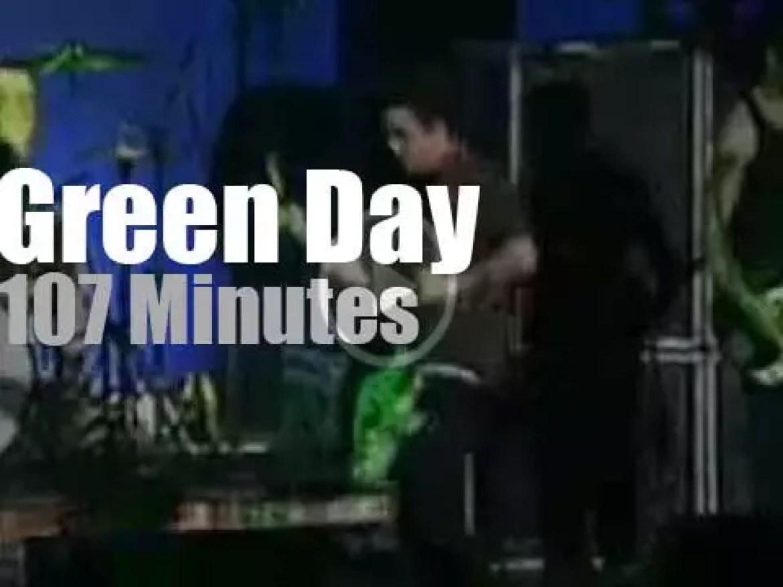 Green Day punkify a New-York ballroom (2000)