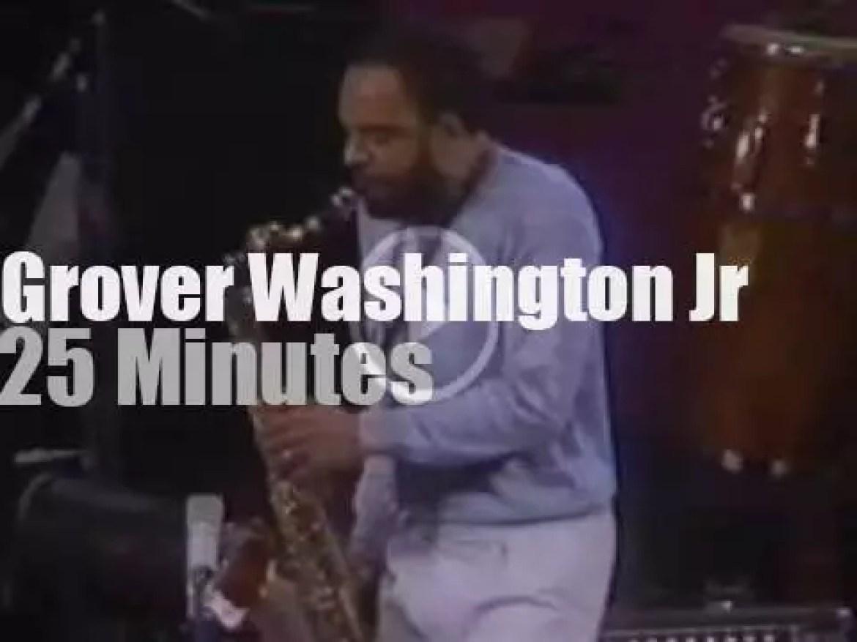 Grover Washington grooves in Philadelphia (1981)