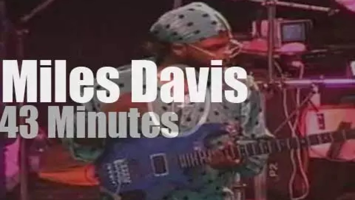 Miles Davis plays in Hamburg (1990)