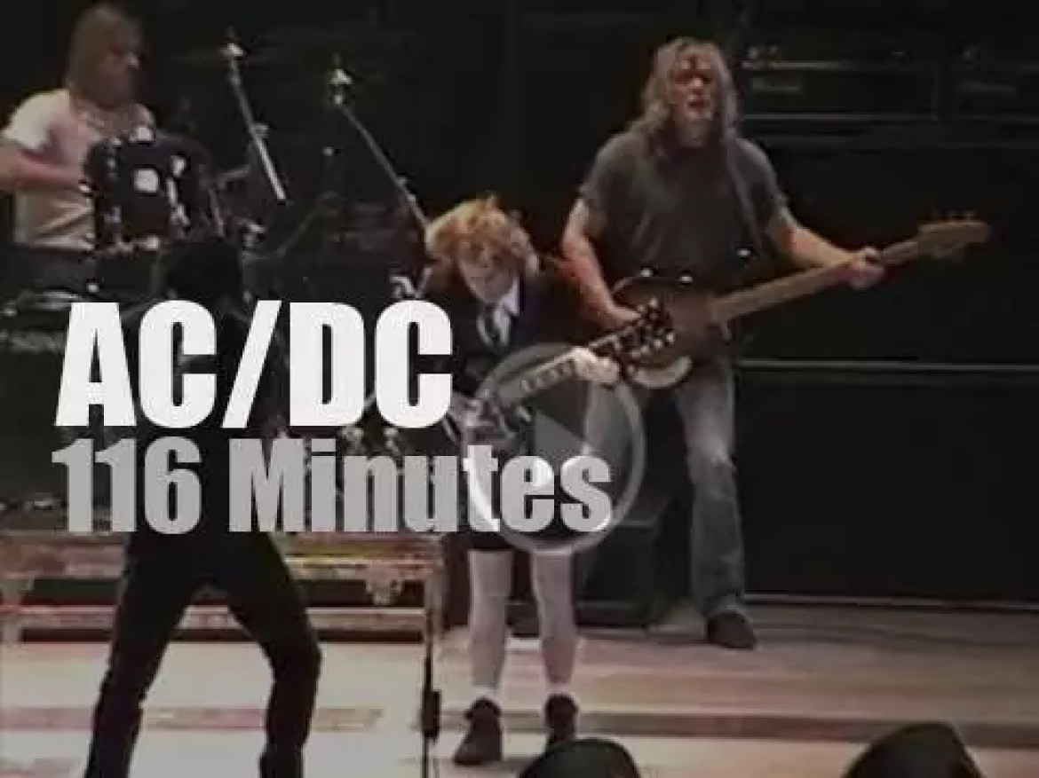 AC/DC rock Philly (2000)