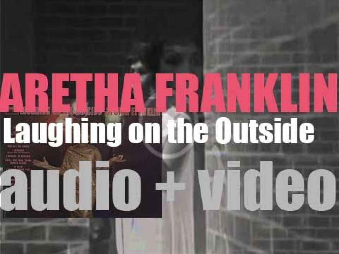Columbia publish Aretha Franklin's fourth album : 'Laughing On The Outside' (1963)