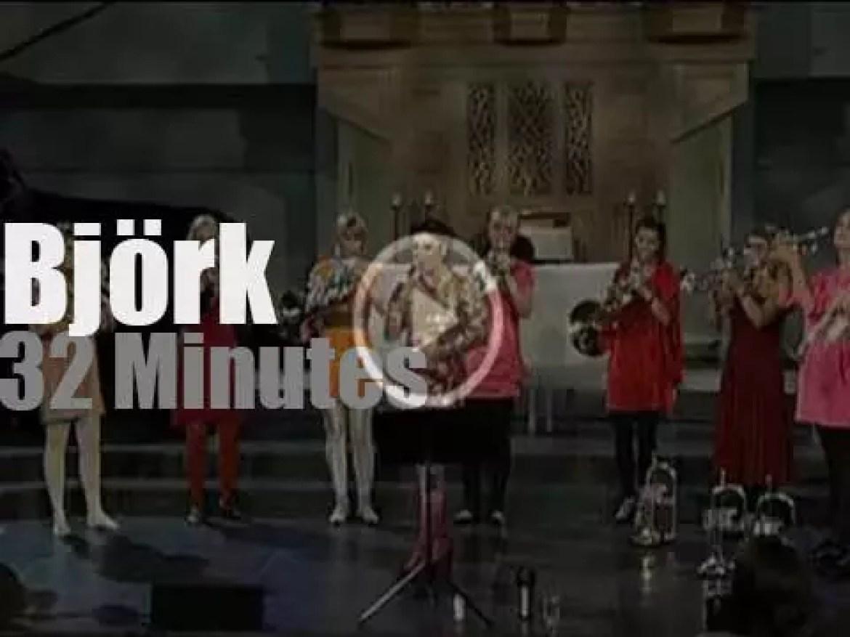 Björk goes to church (2008)
