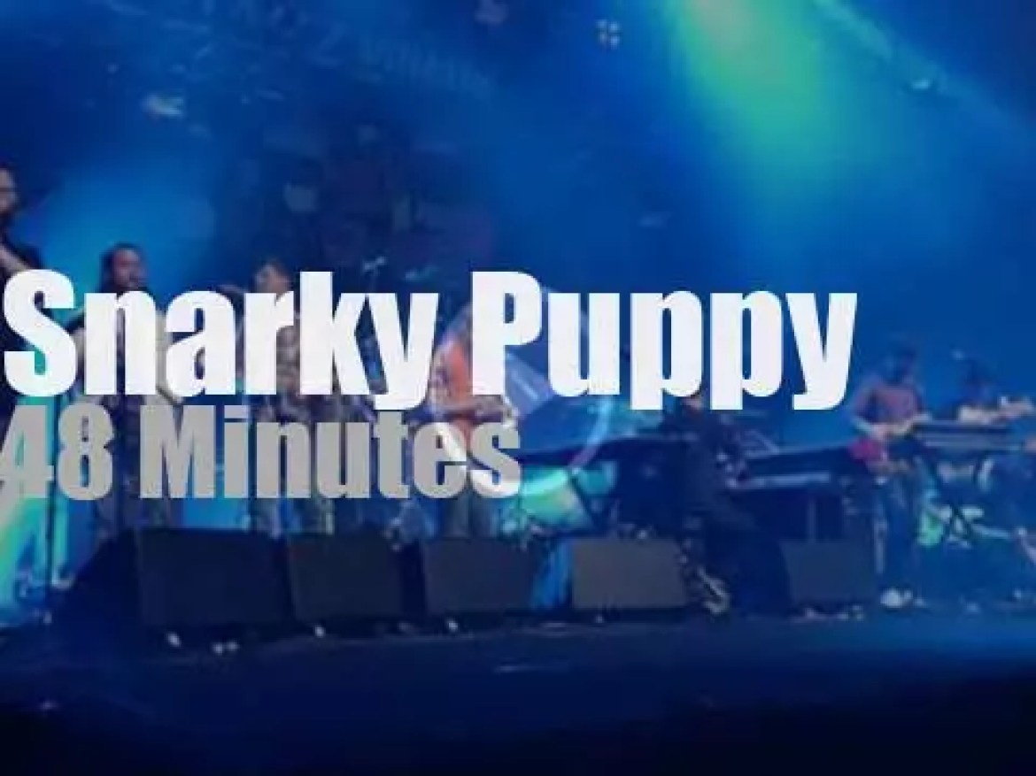 Snarky Puppy play in Paris (2016)