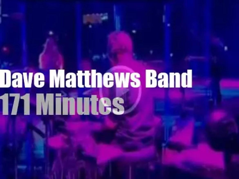 Dave Matthews Band has several guests (2013)