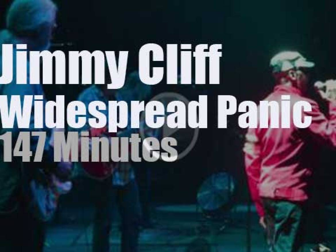 Jimmy Cliff sits in with Widespread Panic (2015)