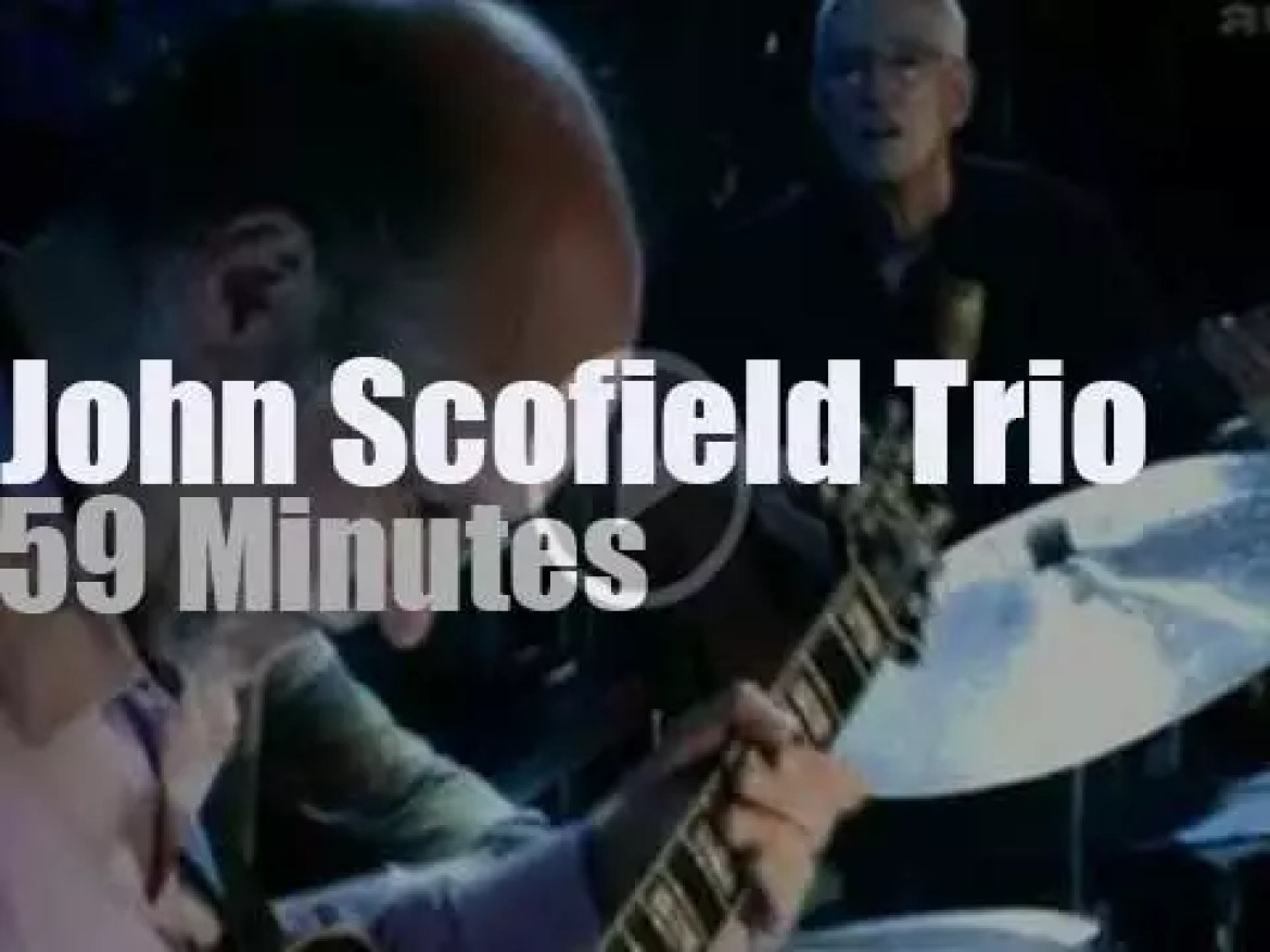 The John Scofield Trio is at the Blue Note (2004)