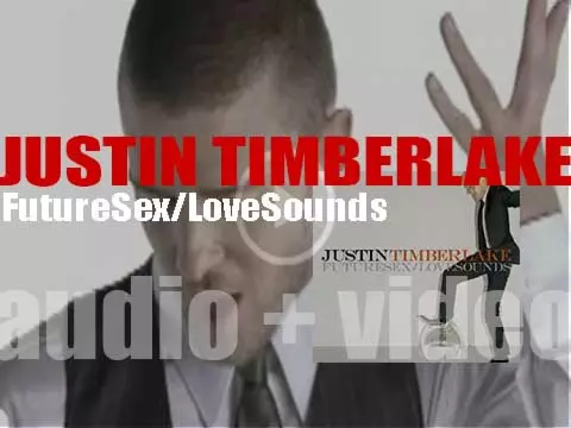 Justin Timberlake releases his second album : 'FutureSex/LoveSounds' featuring 'SexyBack,' 'My Love,' 'What Goes Around… Comes Around' and 'LoveStoned' (2006)
