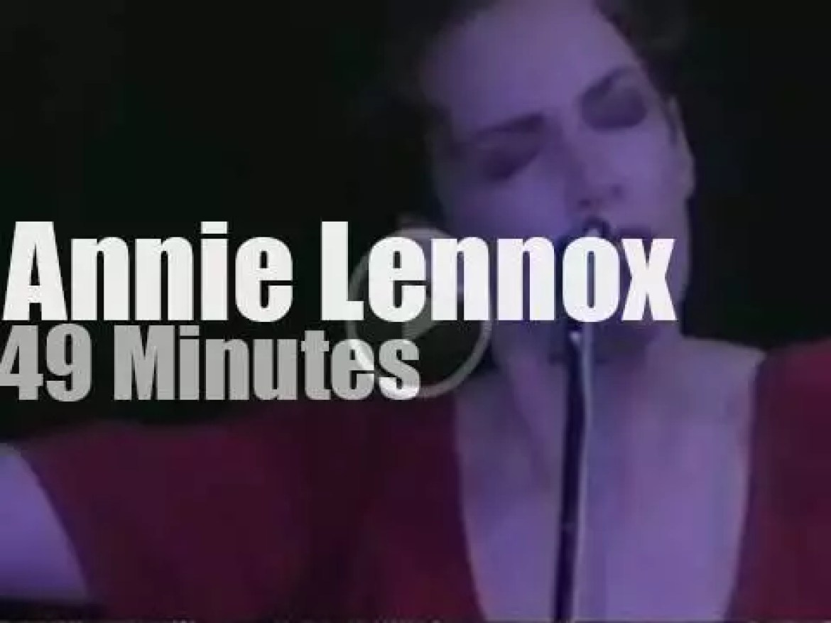 On TV today,  Annie Lennox is 'Unplugged' (1992)