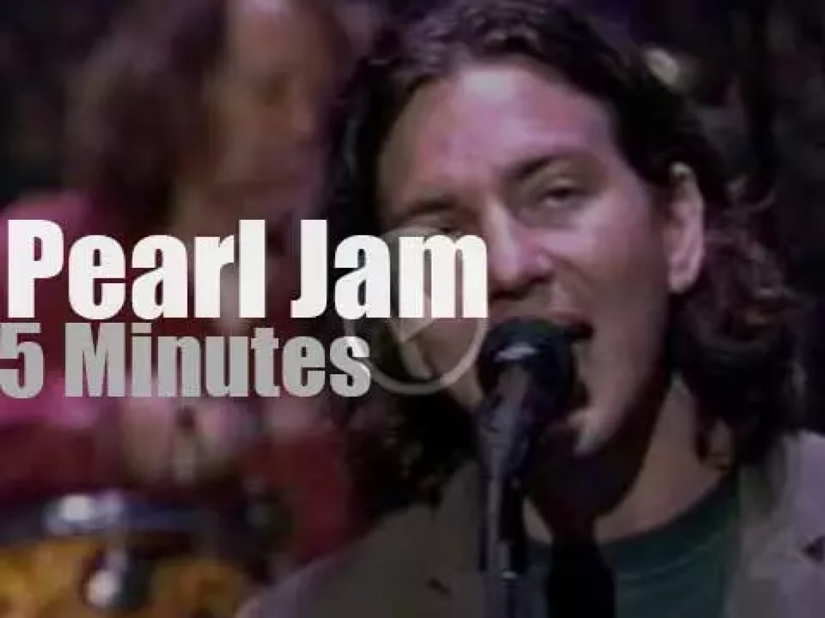 On TV today, Pearl Jam with David Letterman (1996)