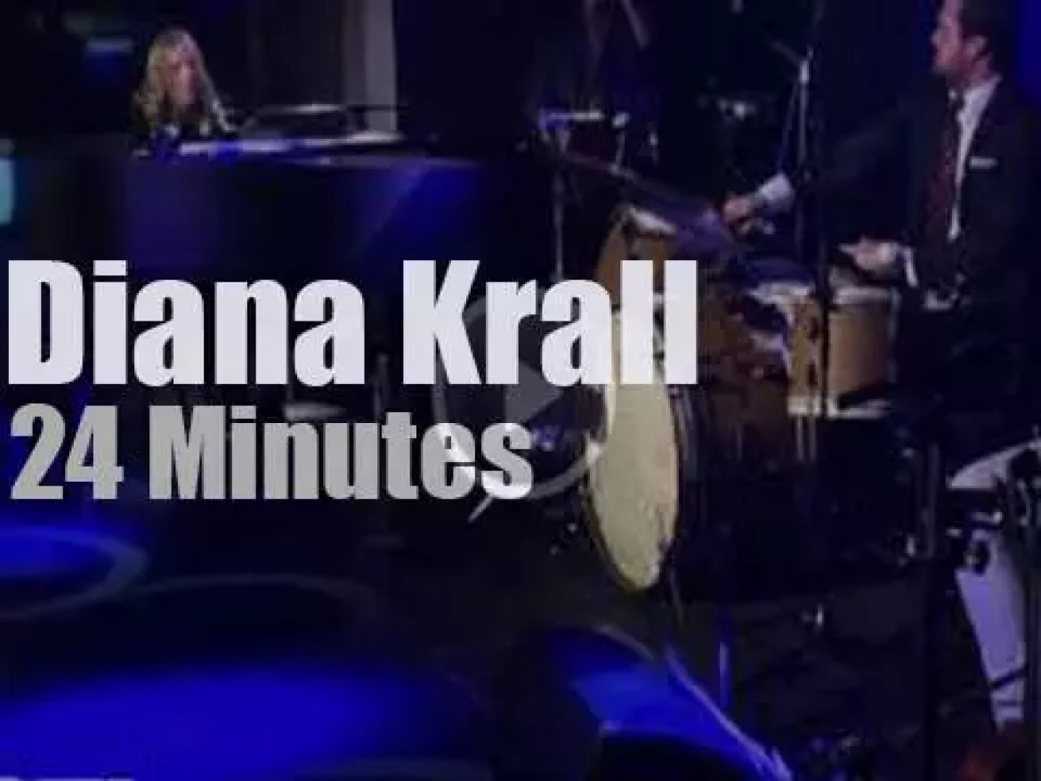 Diana Krall plays a private concert for a French radio (2012)