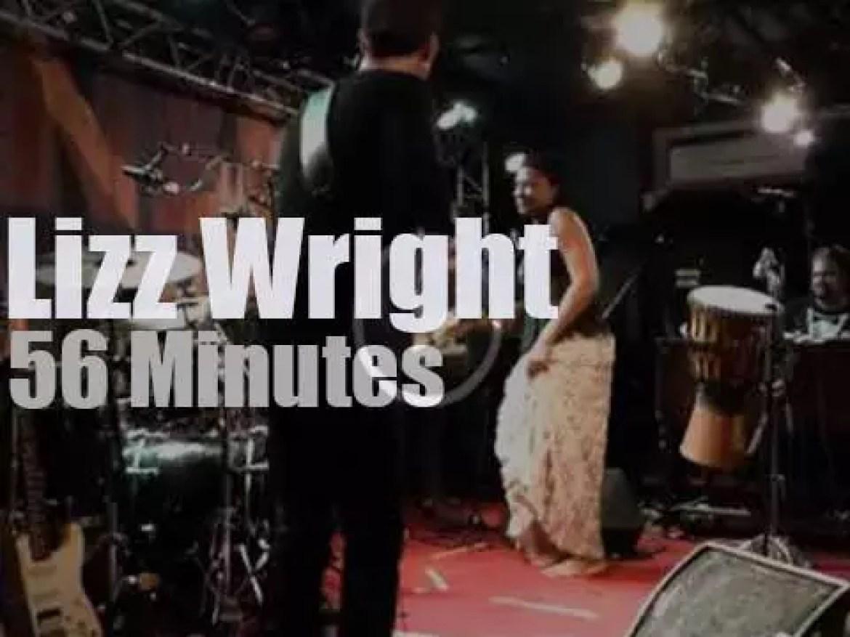Lizz Wright sings in Paris (2015)