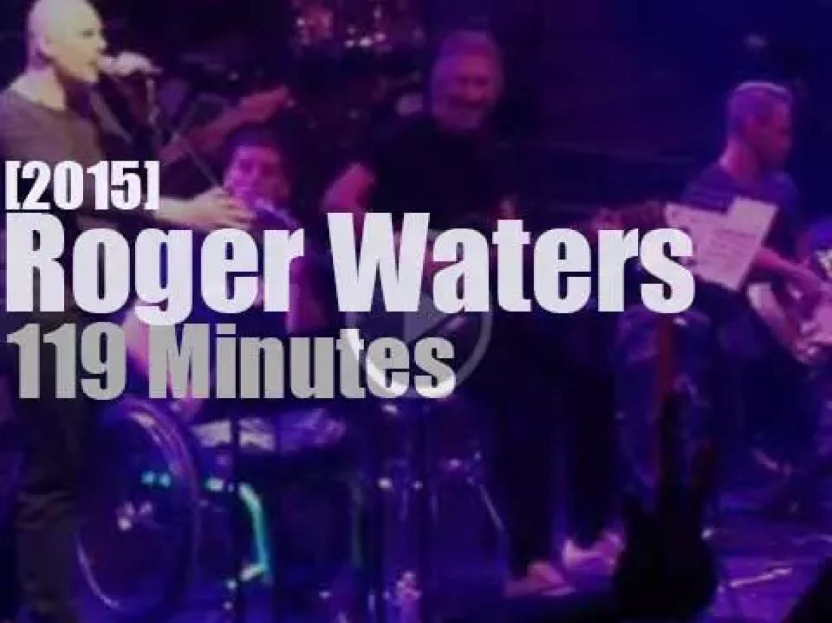 Roger Waters plays for 'Music Heals' (2015)