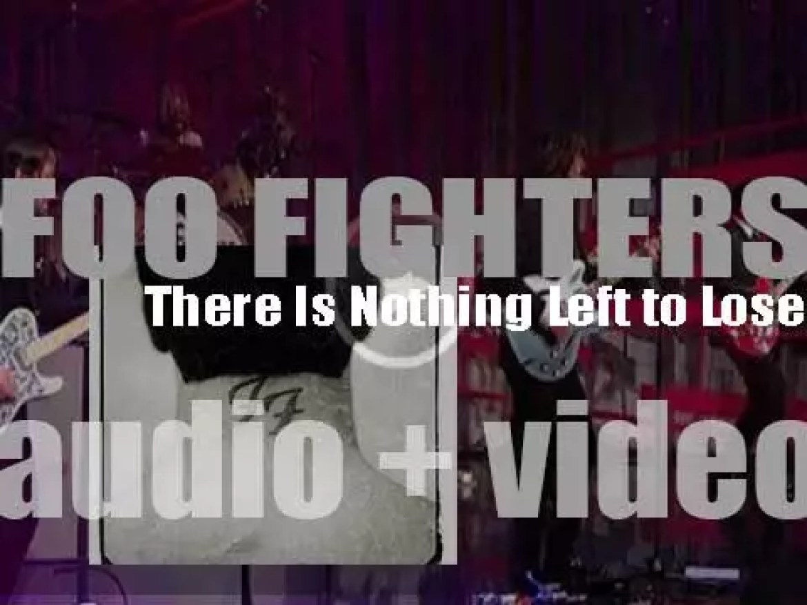 Foo Fighters release their third album : 'There Is Nothing Left to Lose' (1999)
