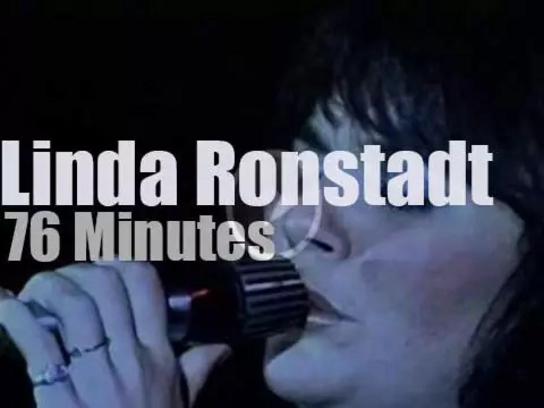 Linda Ronstadt sings in Germany (1976)