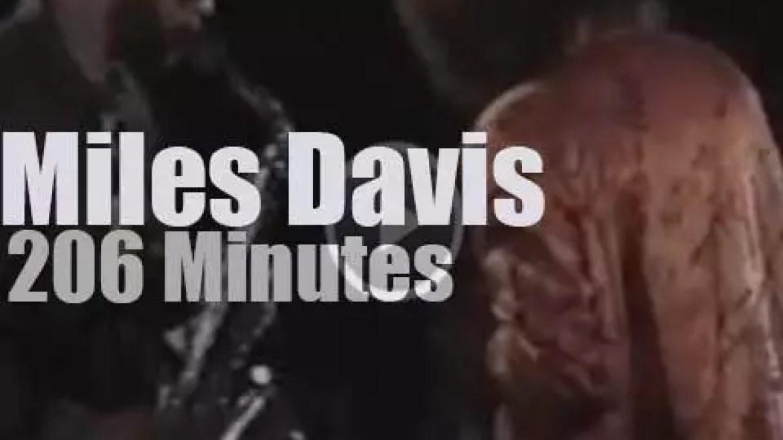 Miles Davis plays in Hamburg (1987)