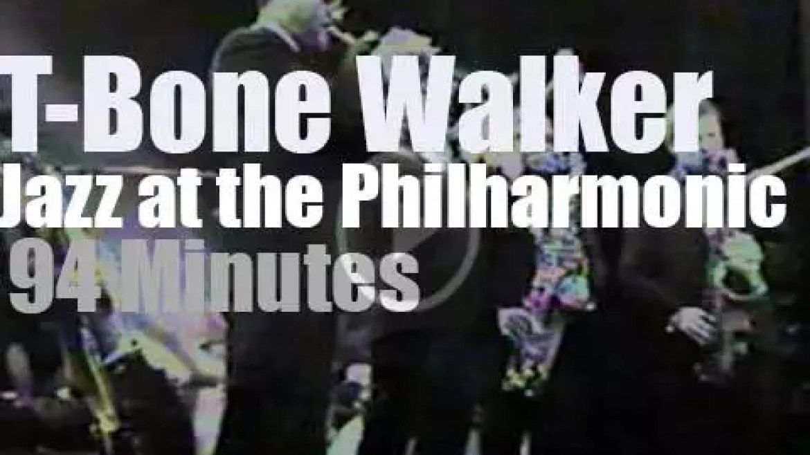 T-Bone Walker sits in with Jazz At The Philharmonic (1966)