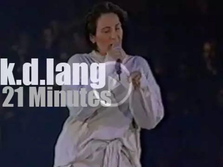 k.d.lang sings against Aids (1993)