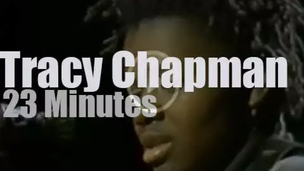 Tracy Chapman plays  for a school  (1988)