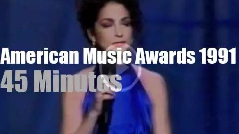 Mariah, Gloria, Vanilla et al  at the ' American Music Awards' (1991)