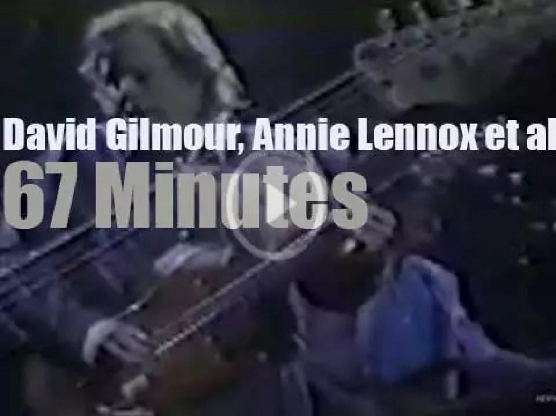 Gilmour, Townshend, Lennox et al perform for a volcano victims (1986)