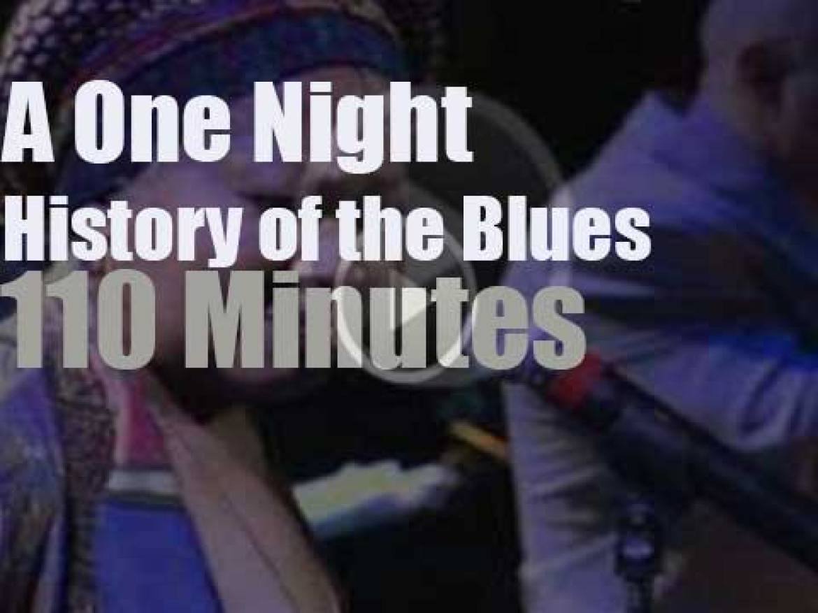 The Blues spends the night at Radio City  (2003)
