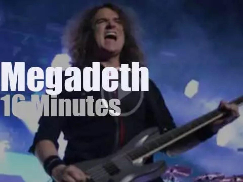 Megadeth serenade Chicago (2003)