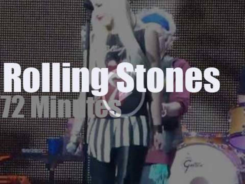 Gwen Stefani, Keith Urban et al sit with the Stones (2013)