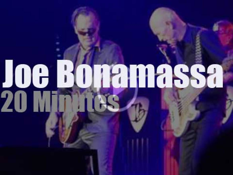 Joe Bonamassa takes his quatuor to Stuttgart (2017)