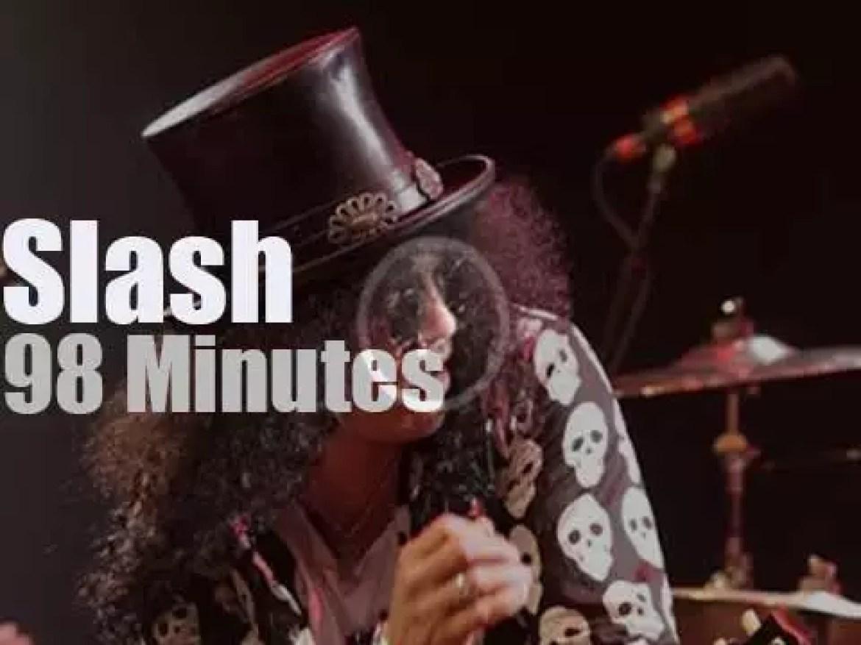 Slash takes his band to Amsterdam (2010)
