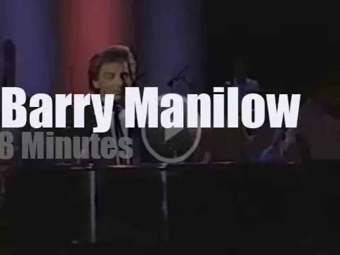 Barry Manilow re-dedicates the Statue of Liberty (1986)