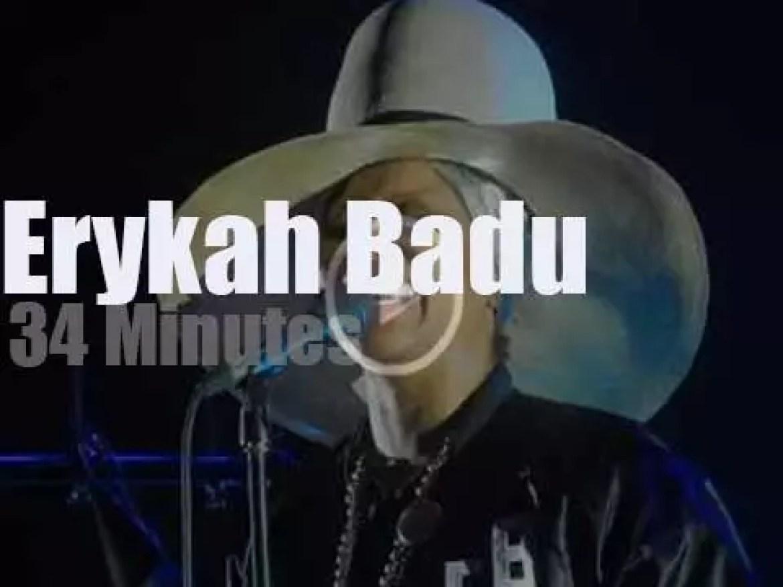 Erykah Badu sings in Paris (2017)