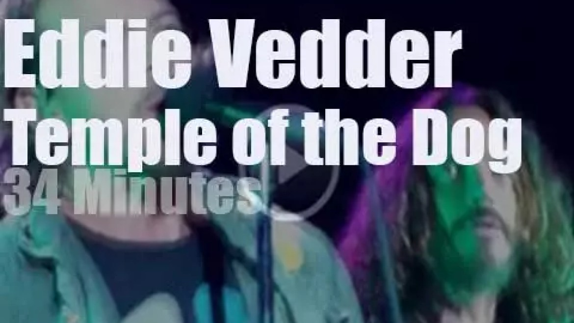 Eddie Vedder sits in with Temple of the Dog (2011)