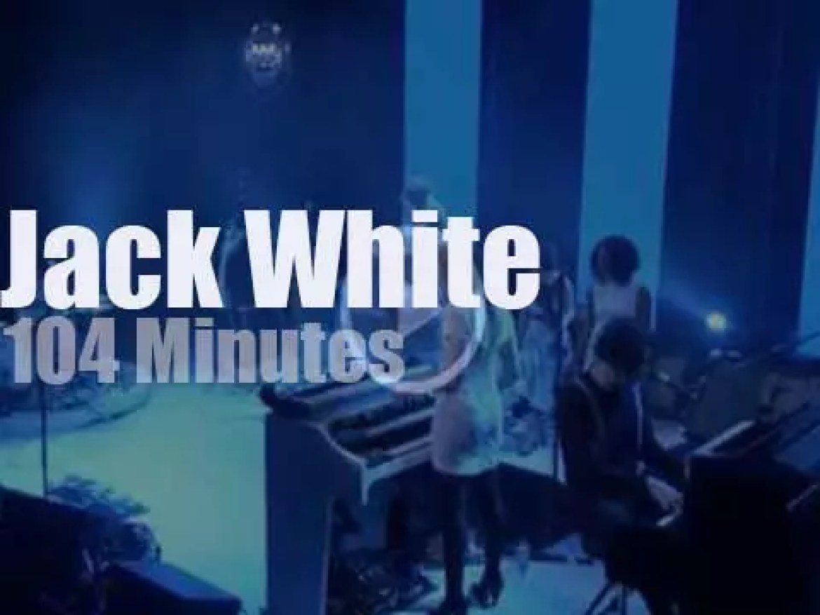Jack White plays and sings in London (2014)