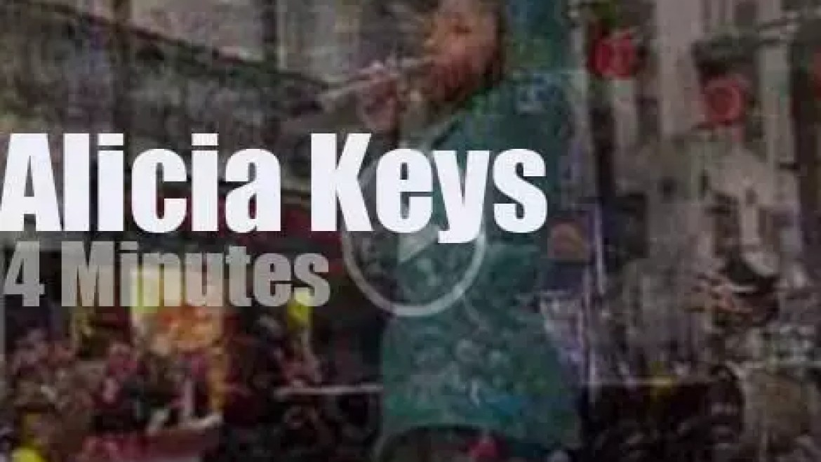 On TV today,  Alicia Keys at the 'Today Show' (2009)