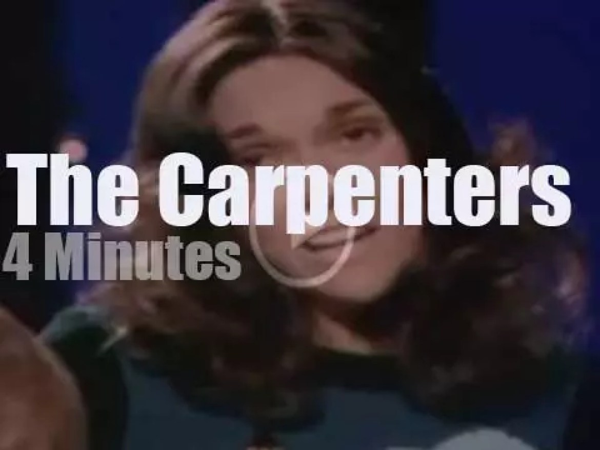 On TV today, The Carpenters at the 'Perry Como's Christmas Show' (1974)