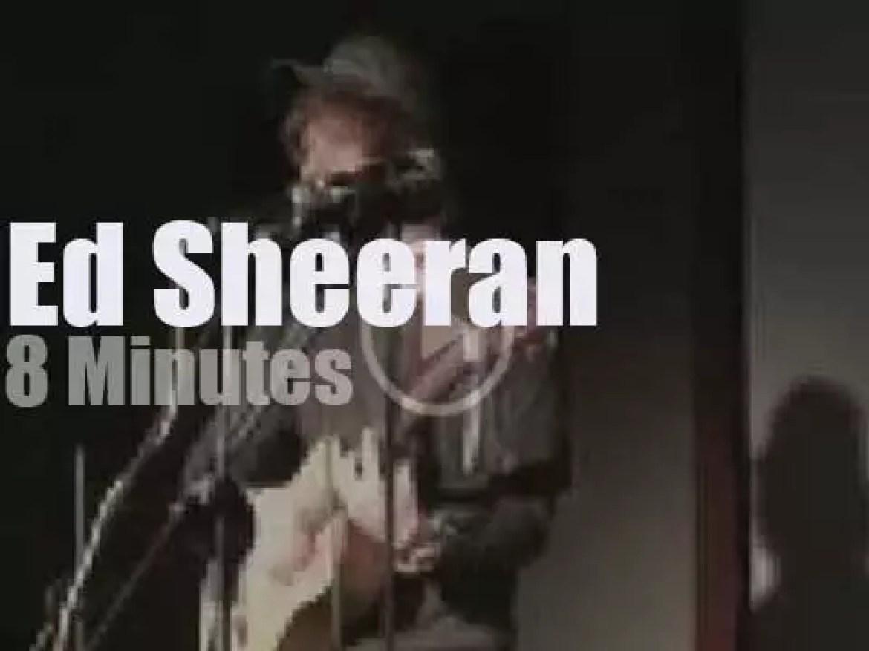 Ed Sheeran loops at a London Cafe  (2009)