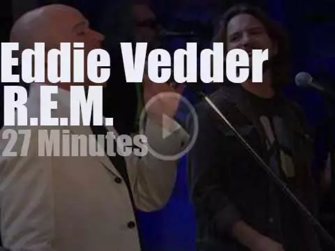 Eddie Vedder inducts R.E.M. at the Rock & Roll Hall of Fame (2007)