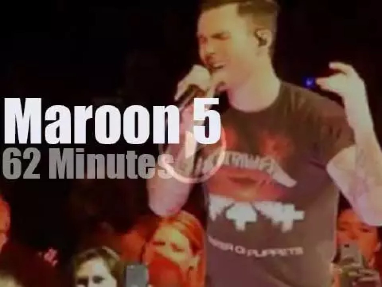 Maroon 5 entertain Houston (2015)