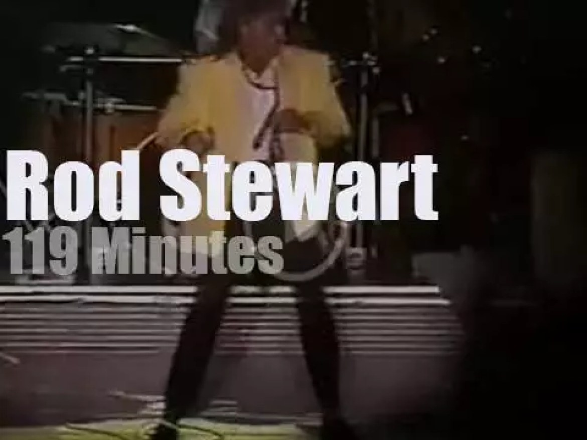 Rod Stewart travels to Buenos Aires (1989)