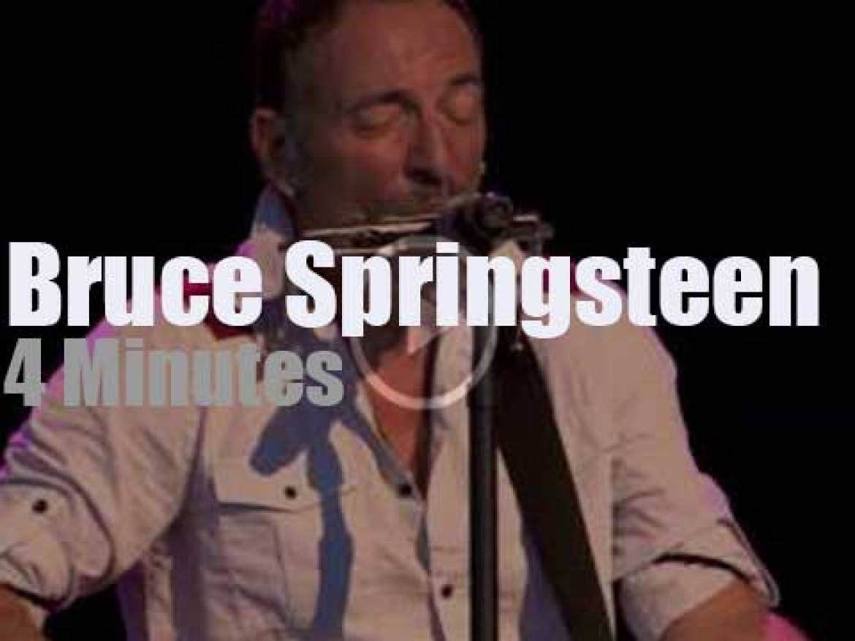 Bruce Springsteen enchants Tampa (2014)