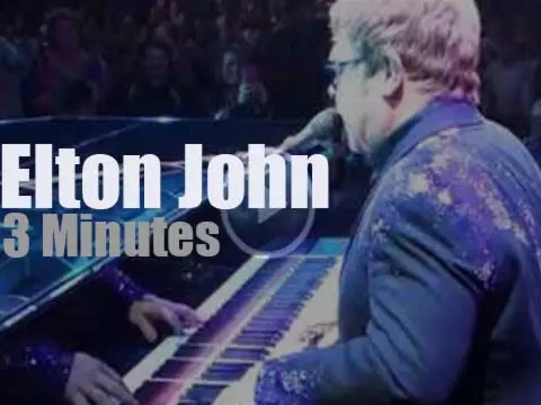 Elton John rocks Las Vegas (2013)