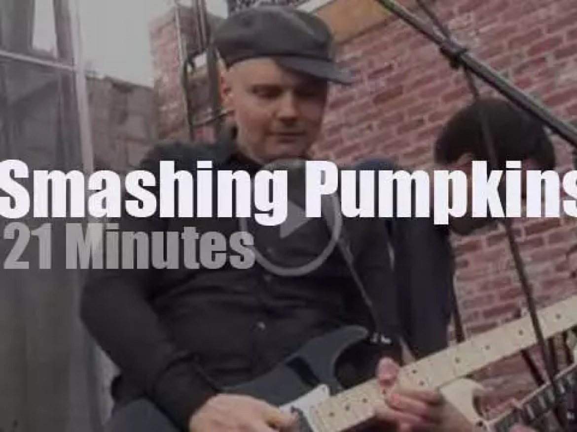 The Smashing Pumpkins celebrate 'Record Store Day' (2010)