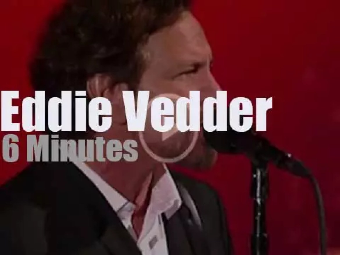On TV today, Eddie Vedder is at 'Letterman' before it closes (2015)