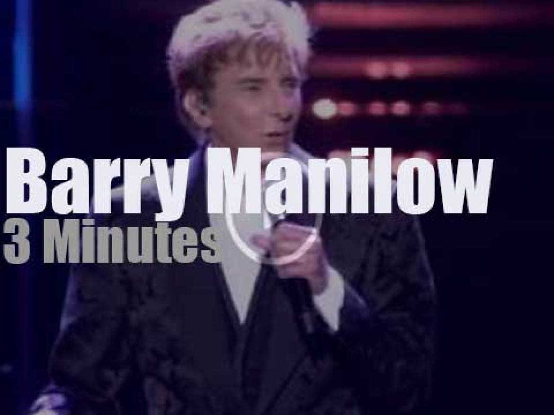 Barry Manilow sings 'One Last Time!' in Brooklyn (2015)
