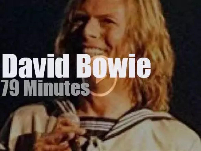 David Bowie  sings in New-York (2000)