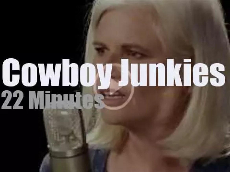Cowboy Junkies play a short set at Paste Studios (2017)