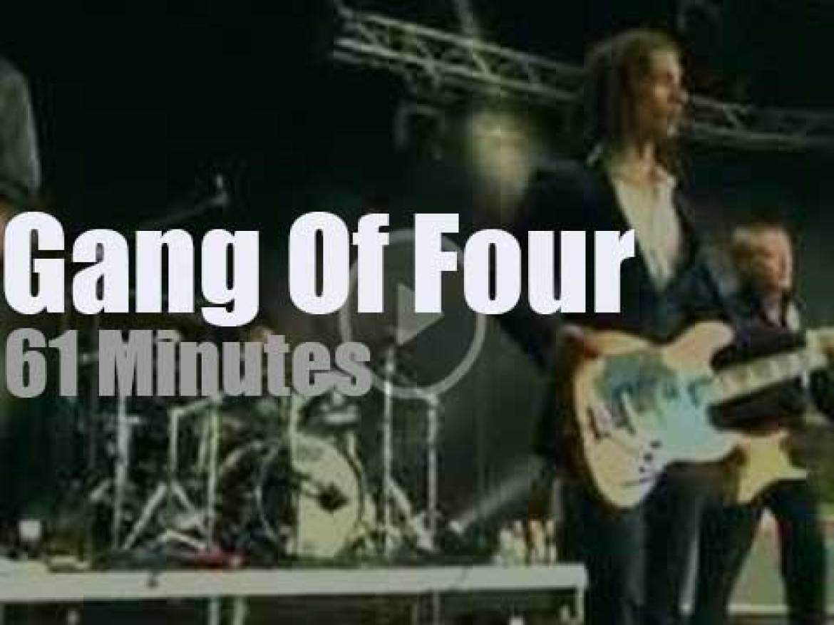 Gang Of Four perform at a Berlin festival (2010)
