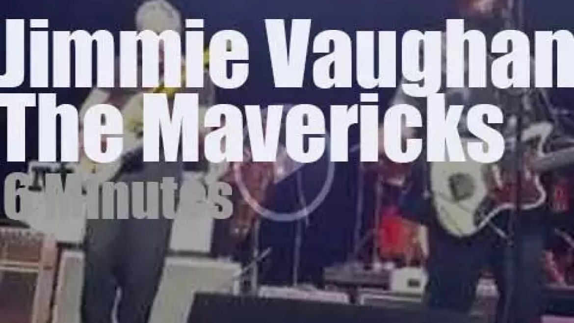 Jimmie Vaughan sits in with The Mavericks (2015)