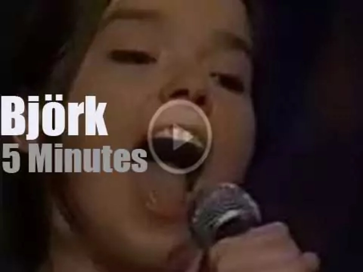 On TV today, Björk at MTV '120 Minutes' (1993)