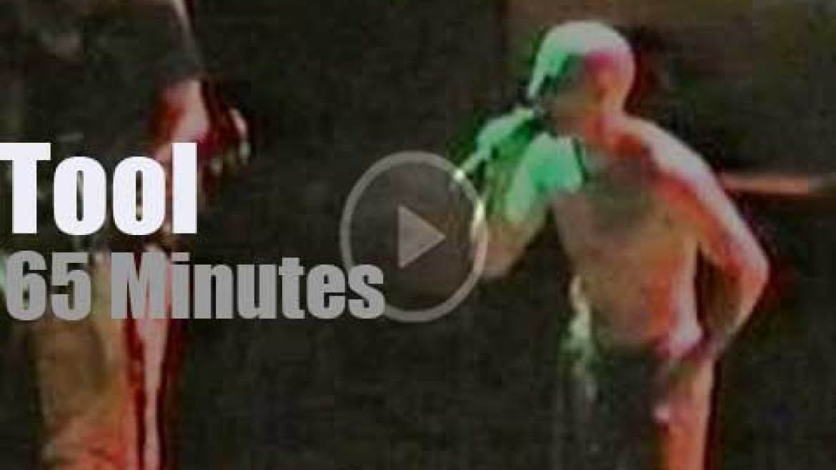 Tool bring 'Undertow' to Oakland (1995)